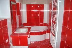 29) Koupelna je výrazným výrazovým prvkem.
